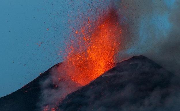 VİDEO | Etna yeniden patladı