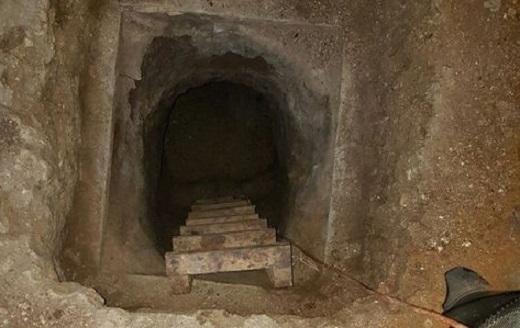 29 mahkum tünel kazarak firar etti