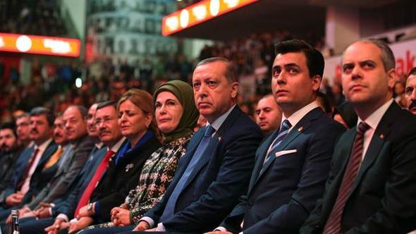 Osman Gökçek dünkü 'Evet' etkinliğine yargıyı da çağırmış!