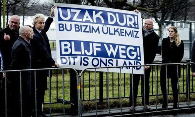 Türk Konsolosluğu önünde protesto: