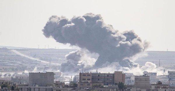 Musul'da ABD uçaklarının yaptığı bombardımanda 200'den fazla sivil öldü