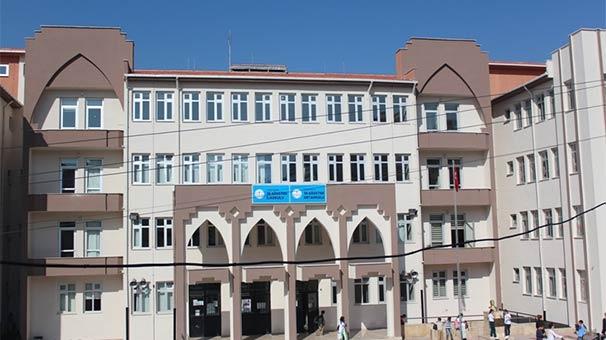 İzmir'de bir ortaokulda çıplak arama yapıldığı iddiası üzerine soruşturma