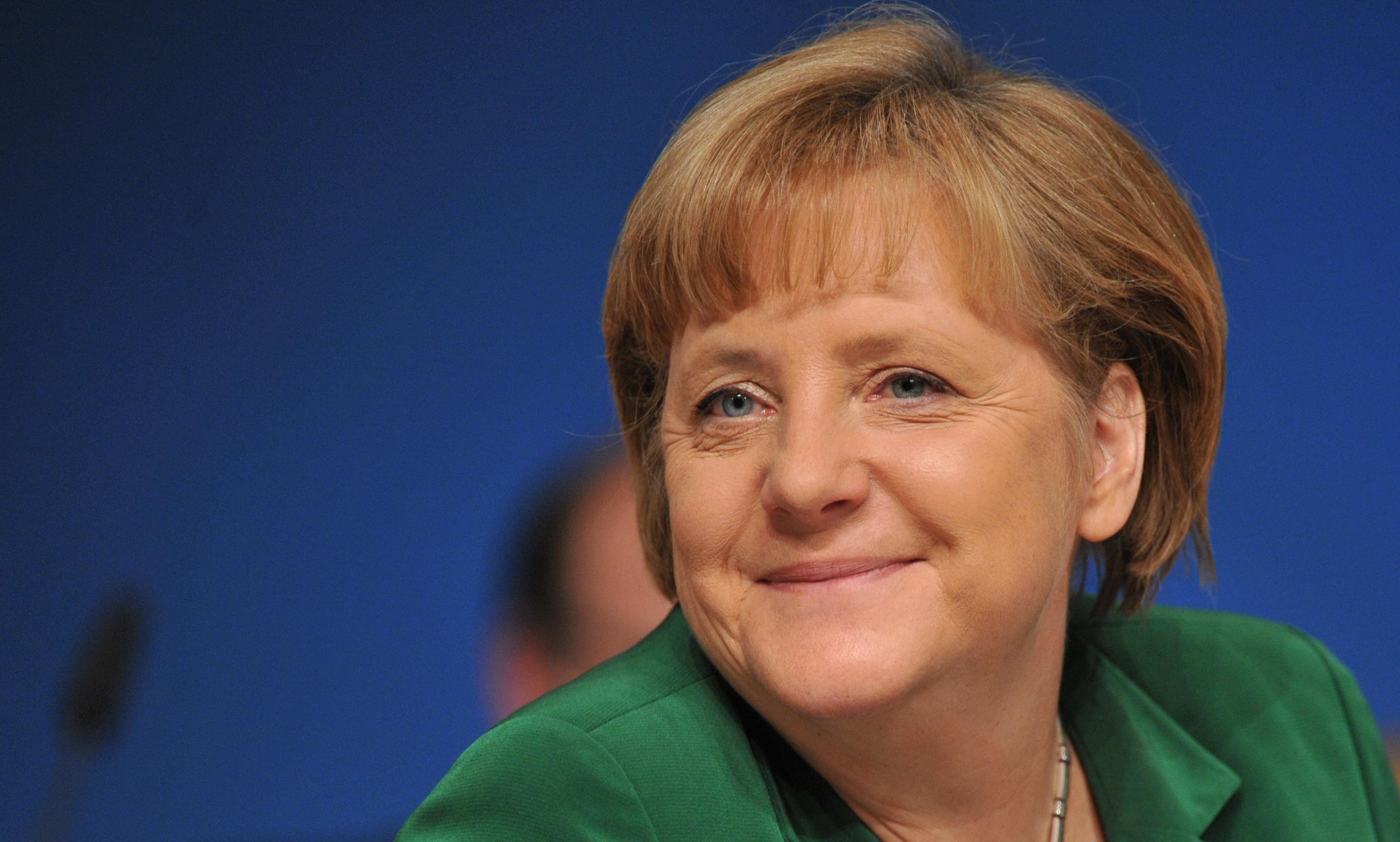 Merkel'den Hollanda'ya destek açıklaması