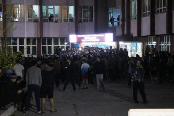 VİDEO | Öğrenci yurdunda isyan!