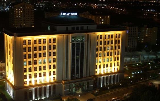 Şaibeli sonuçların ardından AKP Genel Merkezi Erdoğan için hazırlanıyor