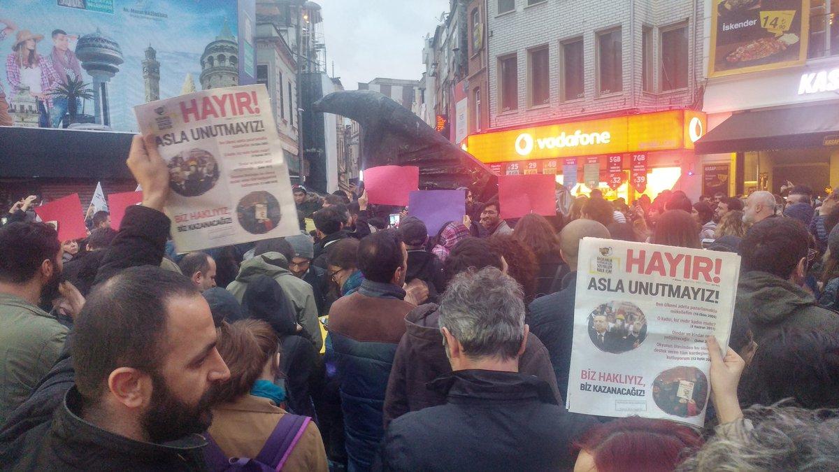 İstanbul ve Ankara'da şaibeli referandum sonuçları protesto ediliyor