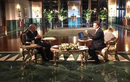 VİDEO | Erdoğan canlı yayında seçmenin mesajını dinlettirmedi: Karıştırma!