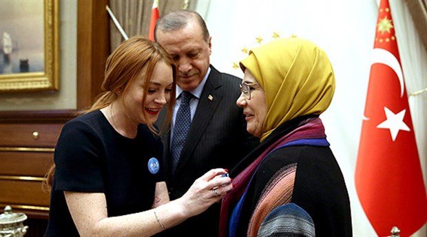 The Times, Erdoğan ile Lindsday Lohan arasındaki ilişkiyi açıkladı