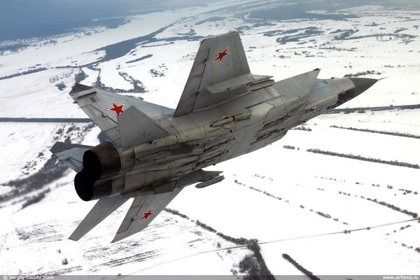 NATO, Rus jetlerini durdurdu