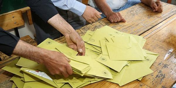 Blok oy iddiası: 60 sandıkta 13 bin'Evet', 58'Hayır' var