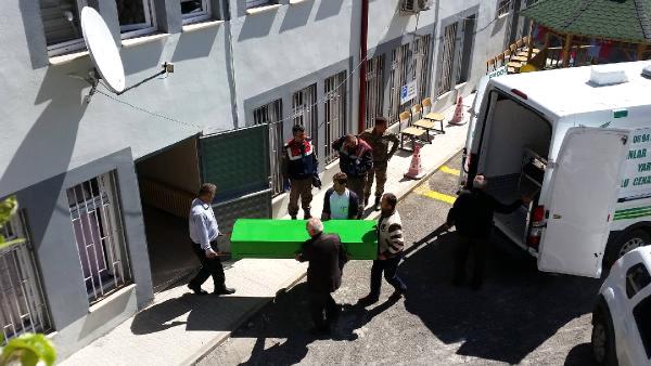 Trabzon'da kayıp annenin cesedi ağaca asılı bulundu