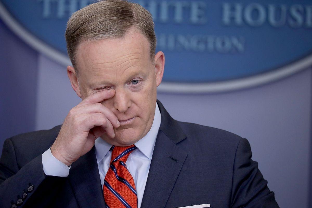 Hitler'i bir tek Spicer anladı, o da yanlış anladı (!)