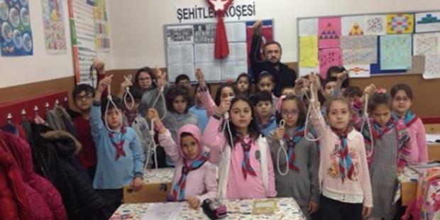 Çocukların eline idam ipi tutuşturan İHH'cı öğretmen hakkında şaşırtmayan karar