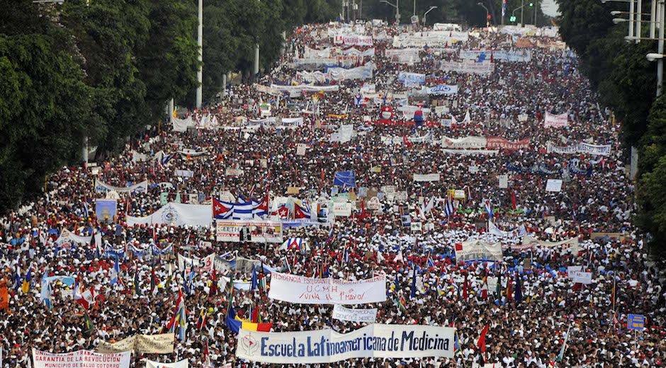 Küba'da Fidel'siz ilk 1 Mayıs