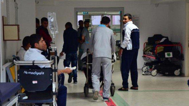 Kışlada zehirlenme nedeniyle 1 asker hayatını kaybetti, 350 asker hastanelik oldu