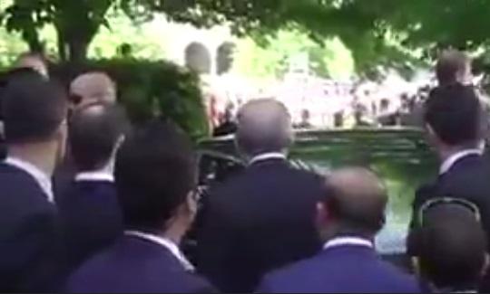 VİDEO | Erdoğan korumalarının saldırısını böyle izlemiş...