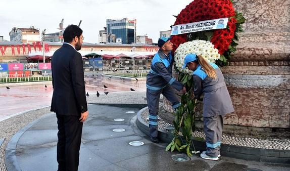 Çalışanları 1 Mayıs için tehdit eden Hazinedar'dan Taksim'de'anma' şovu