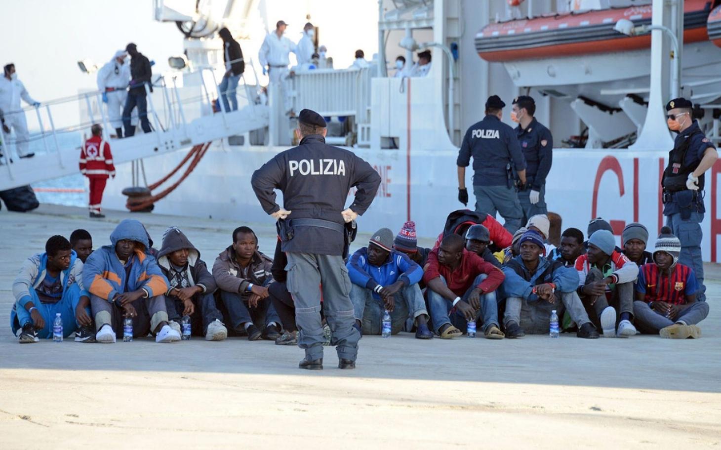 İtalya'da göçmenler için toplanan para, papaz eliyle mafyaya aktarılmış