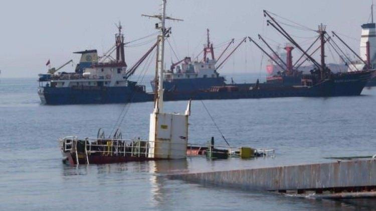 Kartal sahilinde gemi battı