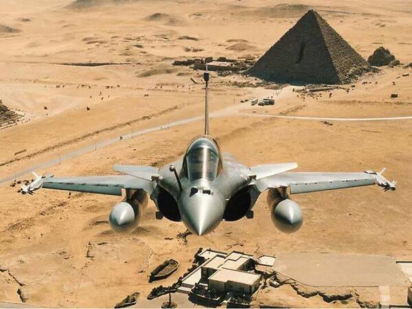 Mısır, Libya'nın doğusunu bombaladı