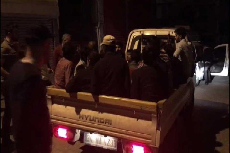 Gerginliğin devam ettiği Sultangazi'de 300 kişi tahliye edildi