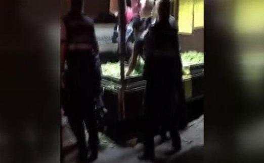 VİDEO | Üsküdar'da zabıta terörü: Darp edildi, baygınlık geçirdi, gözaltına alındı...