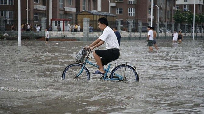Çin'de şiddetli yağmurun sebep olduğu sel nedeniyle 5 kişi hayatını kaybetti