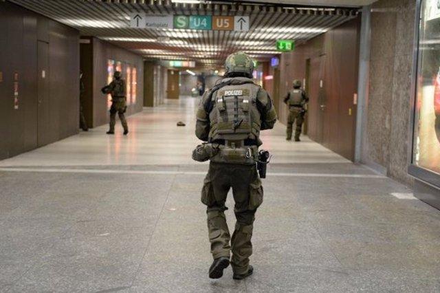 Münih'te tren istasyonunda çatışma: 5 yaralı var