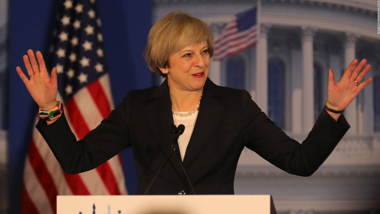 İngiltere'de seçimin ilk sonuçları belli oldu