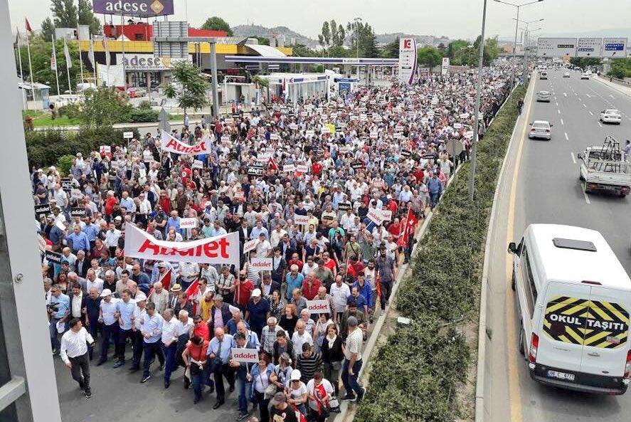 Alman parlamenterlerden Adalet Yürüyüşü'ne destek