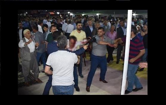 TBMM Başkanvekili Ahmet Aydın'ın katıldığı iftarda kavga çıktı: Yaralılar var