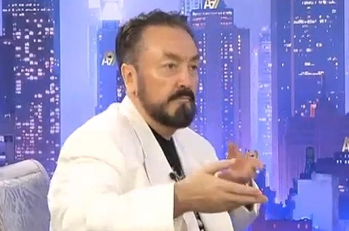 Adnan Oktar: Yeni Akit ve Türkiye