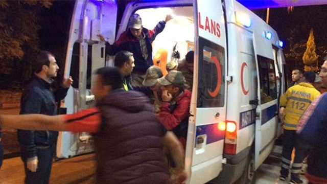 Manisa'da kışlaya yemek yapan şirketten yöneticiler de dahil çok sayıda kişi gözaltında!