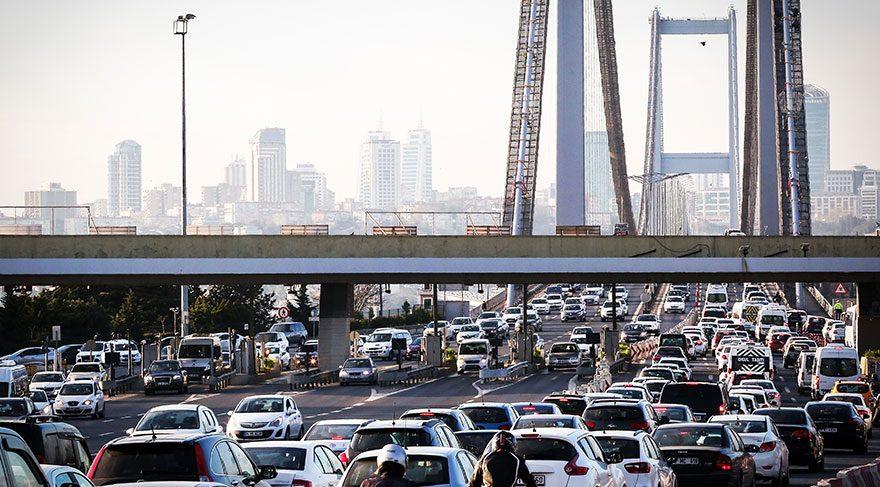Boğaziçi Köprüsü'nde 2 şerit trafiğe kapatıldı