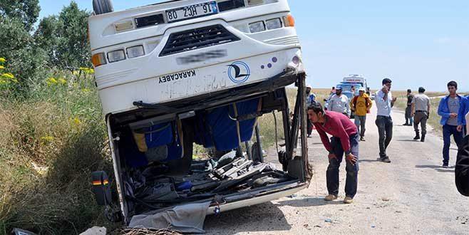 Mevsimlik işçileri taşıyan otobüs takla attı: 25 yaralı var