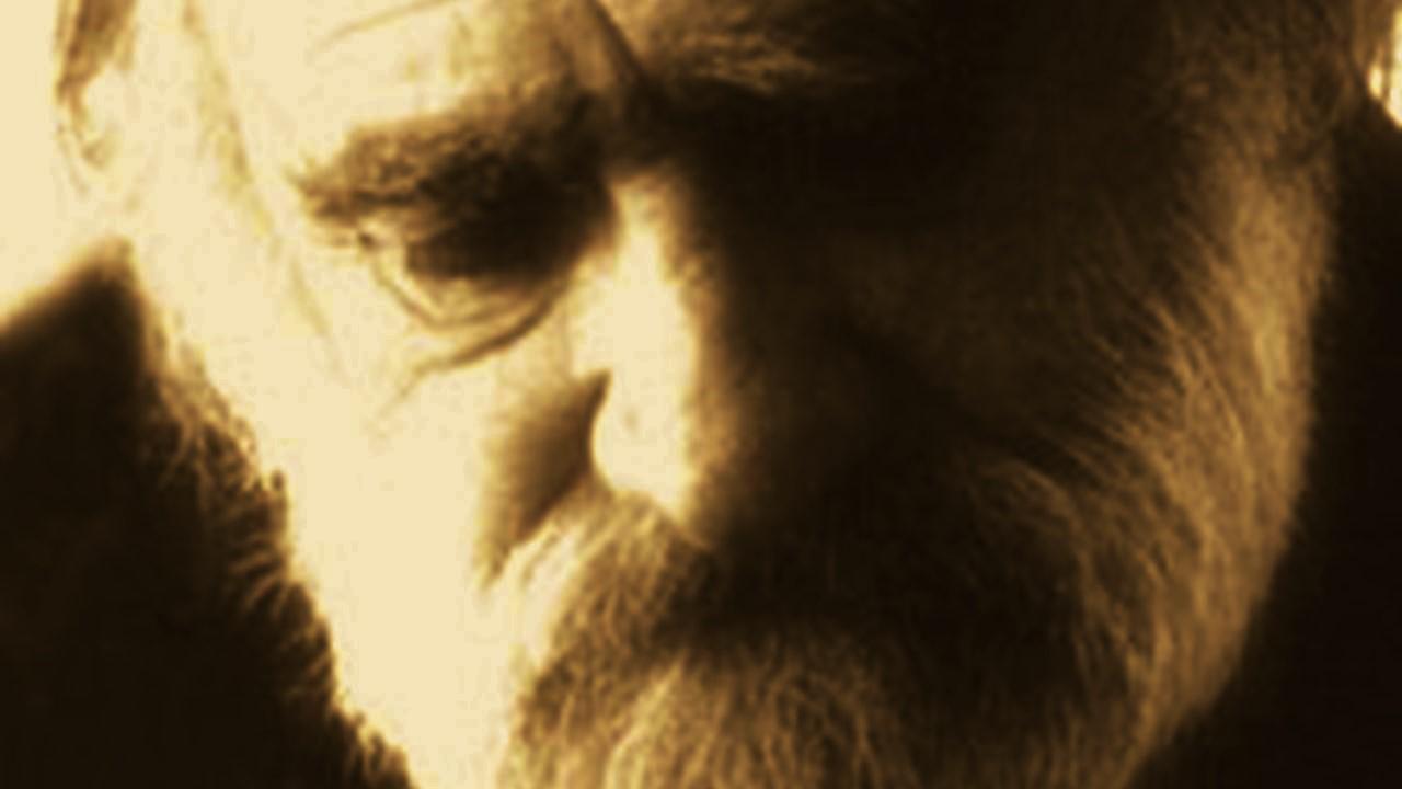 Sahte Can Yücel şiirleri paylaşıp, uyduruk bir Can Yücel bir yaratılmasına hizmet etmeyin!