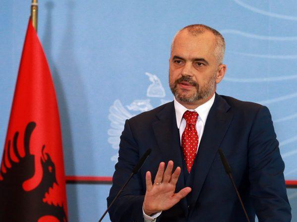 Arnavutluk'ta seçimleri Sosyalist Parti kazandı