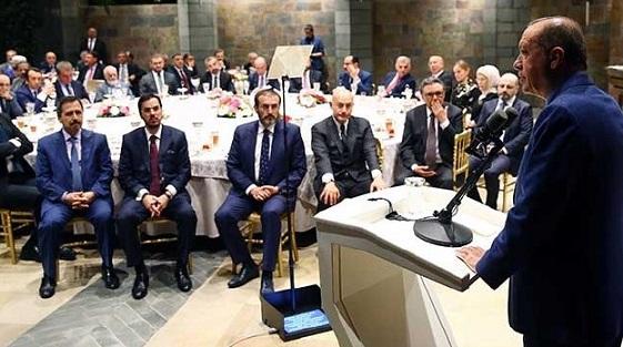 Erdoğan'dan'gazeteci'lere: Sakal-bıyık bırakın
