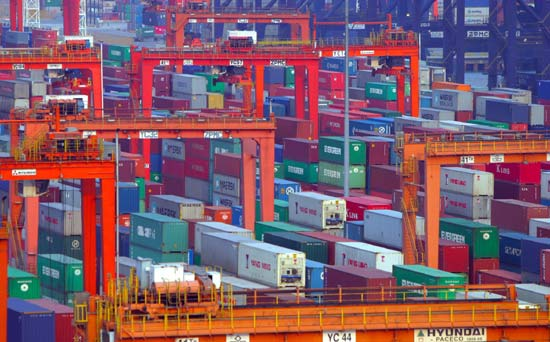 Ağustos ayında ithalat yüzde 22.7, ihracat yüzde 6.5 geriledi