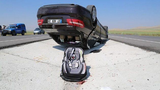 Karaman'daki kazada 3 yaşındaki çocuk yaşamını yitirdi