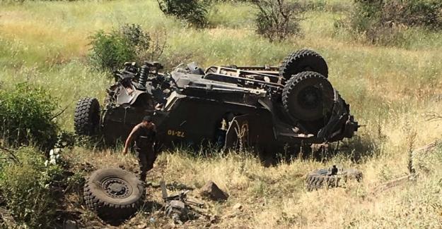 Lice'de polis aracı ile sivil araç çarpıştı: Çok sayıda ölü ve yaralı var