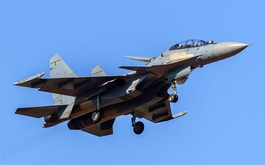 Malezya'da askeri uçakla irtibat kesildi