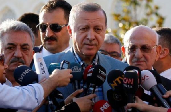 Erdoğan bayram namazı sırasında fenalık geçirdi: