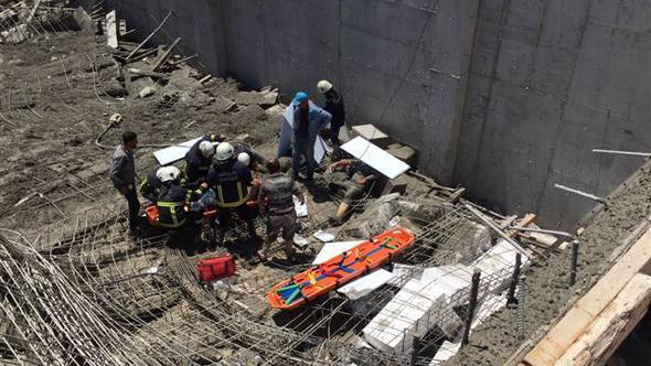 Antalya'da inşaatta göçük: 4 işçi yaralı