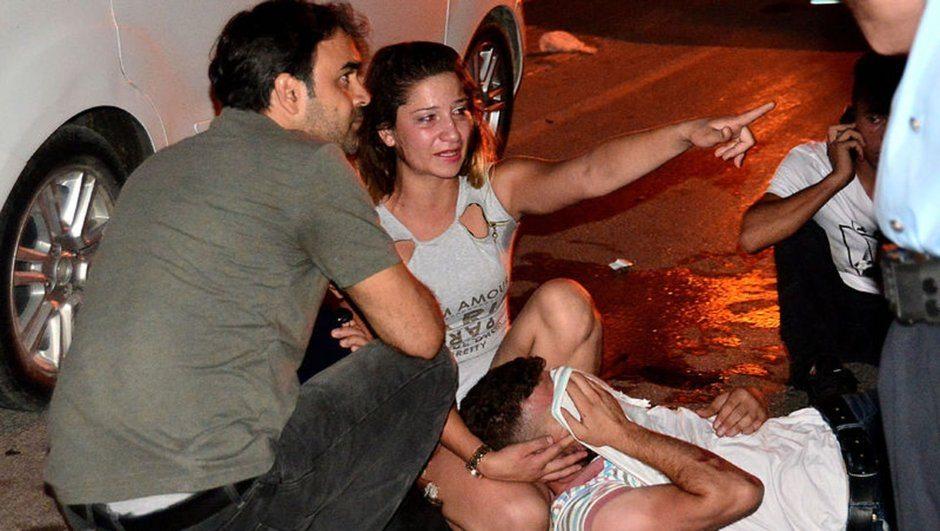 Adana'da bar çıkışı silahlı, bıçaklı kavga: 1 kişi hayatını kaybetti, 5 yaralı