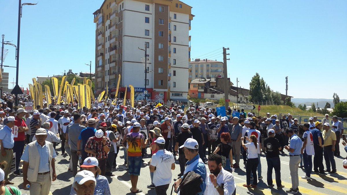 Sivas'ta binlerce kişinin katılımıyla Madımak eylemi