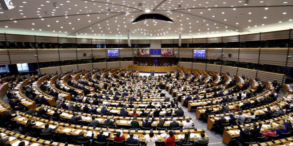 AP Türkiye ile müzakereleri dondurma çağrısını kabul etti
