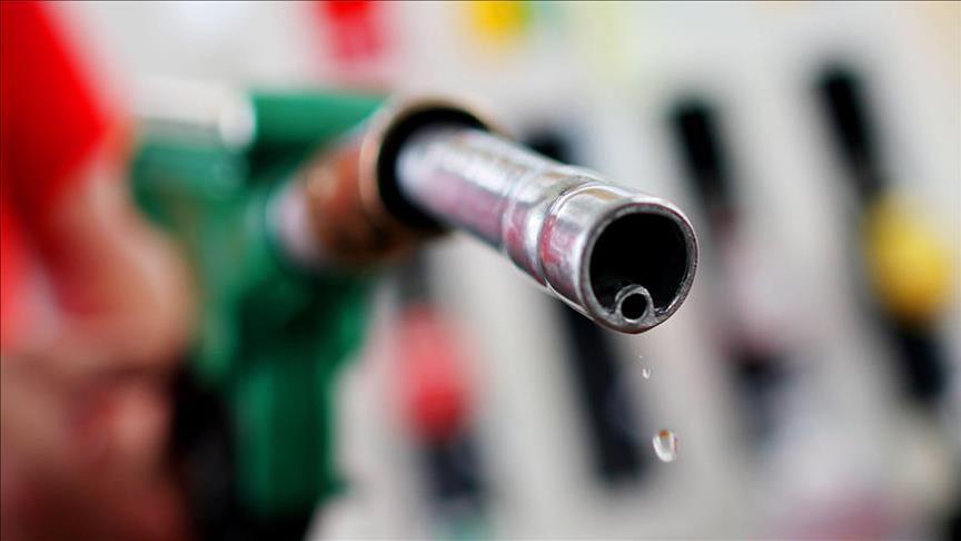 Benzine yine zam: İşte yeni fiyatlar...