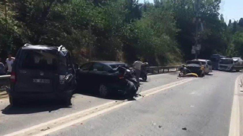 Üsküdar'da büyük kaza: Halk otobüsü art arda 9 araca çarptı