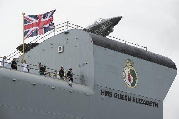 İngiltere Güney Çin Denizi'ne iki 'devasa' uçak gemisi gönderiyor